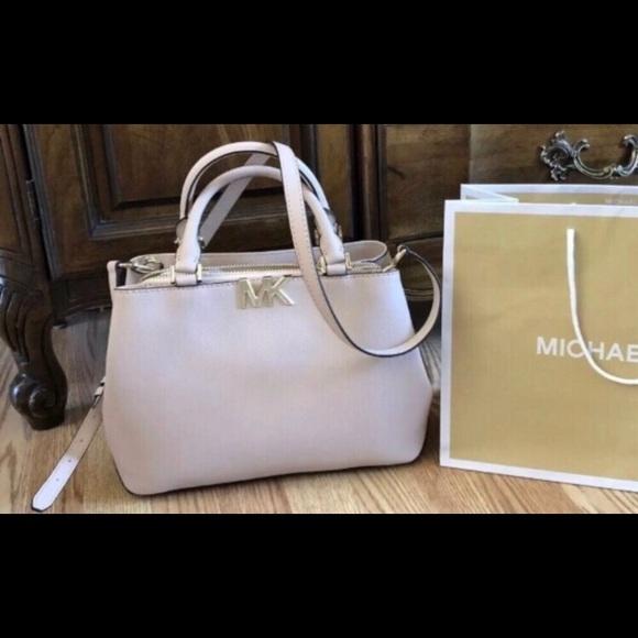f9943edd7223 Michael Kors Bags | 368 Handbag Purse Mk Florence Bag | Poshmark